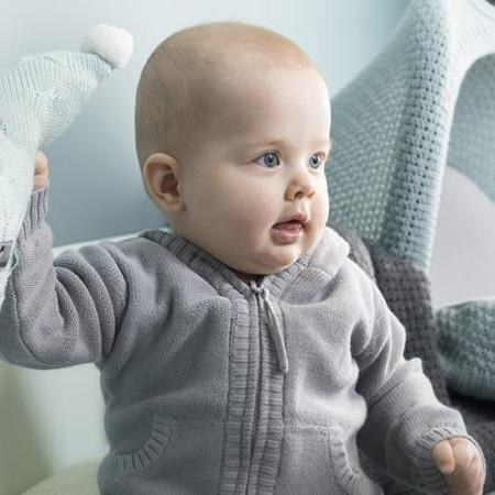 Baby's only vestje met capuchon Newborn grijs sfeer2