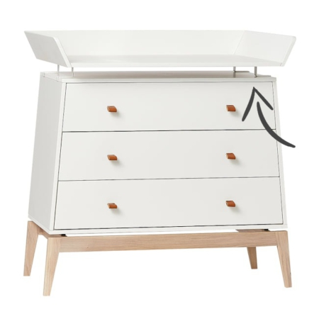 Leander Luna changing Unit white