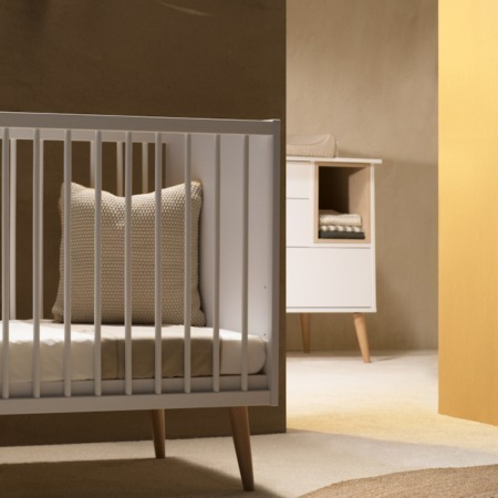 Quax Cocoon Ice White 2 delige babykamer sfeer1