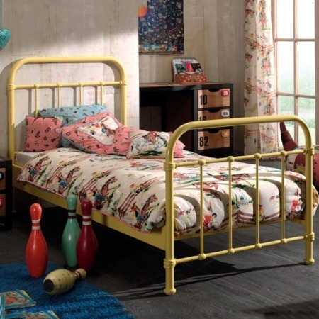 Vipack bed New York geel sfeer