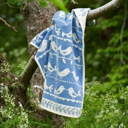 Klippan katoenen wiegdeken Birds blue sfeer