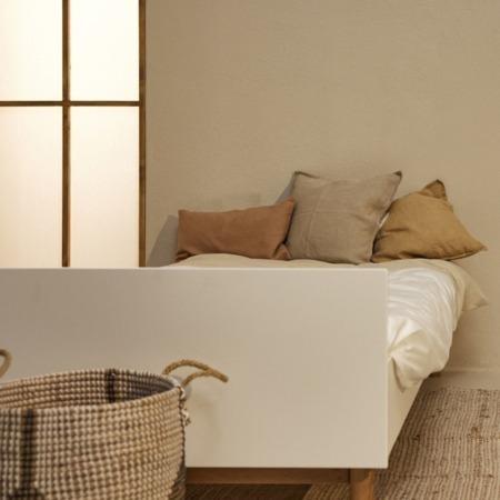 Quax bed 90x200 Mood White sfeer1
